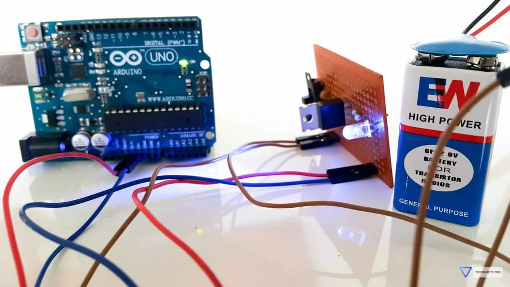 Power up Arduino using battery